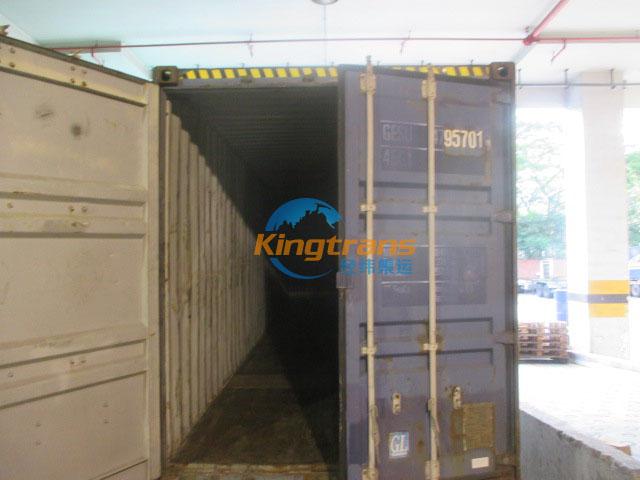铝型材转口美国中转港换柜现场